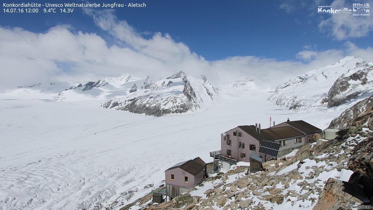 Neuschnee verstärkt Albedo: Gletscherschmelze verringert, Region Jungfrau-Aletsch, 14. Juli 2016