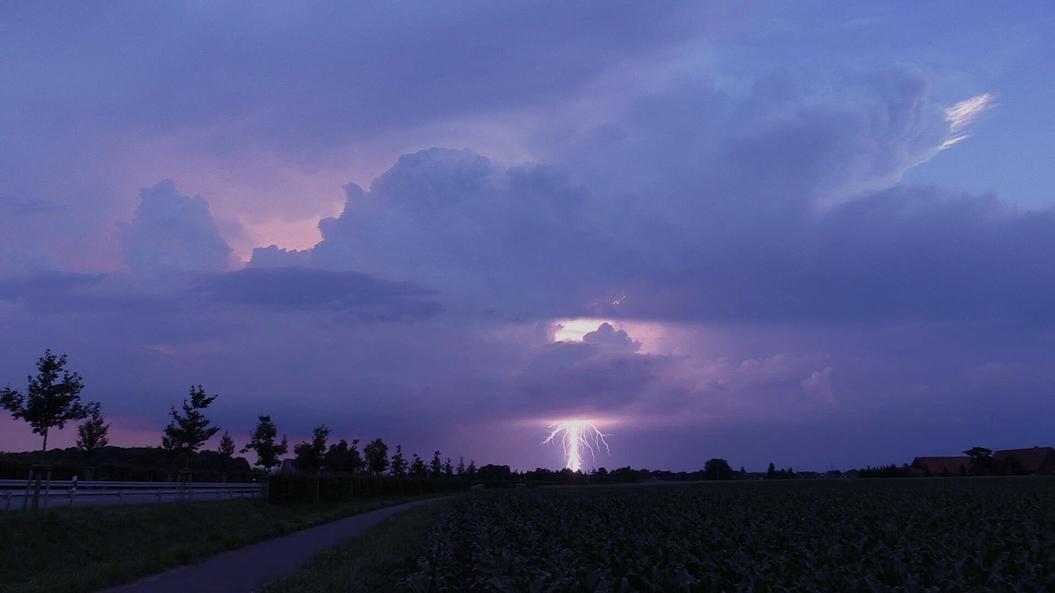 Blitz aus sicherer Entfernung bei Telgte, 23. Juni 2016