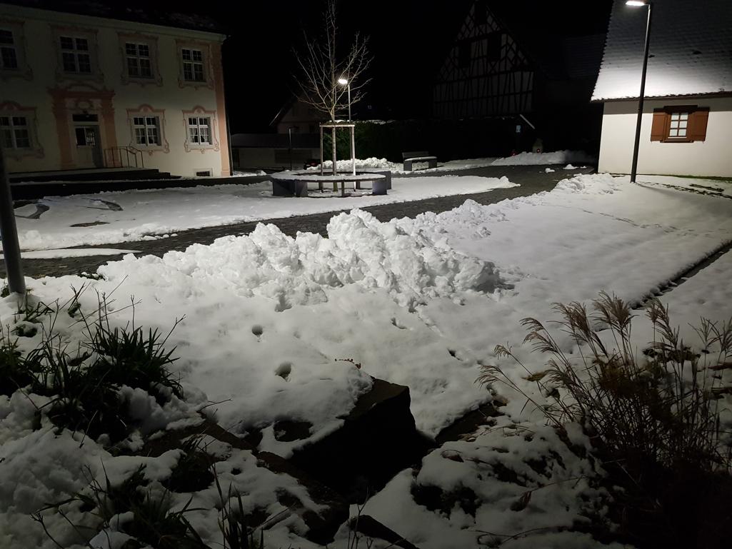 Ca. 10 cm abendlicher Schnee in Horgenzell, 19. November 2017