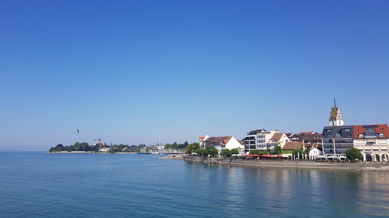Blick auf die Uferpromenade von Friedrichshafen, 24. Juli 2018