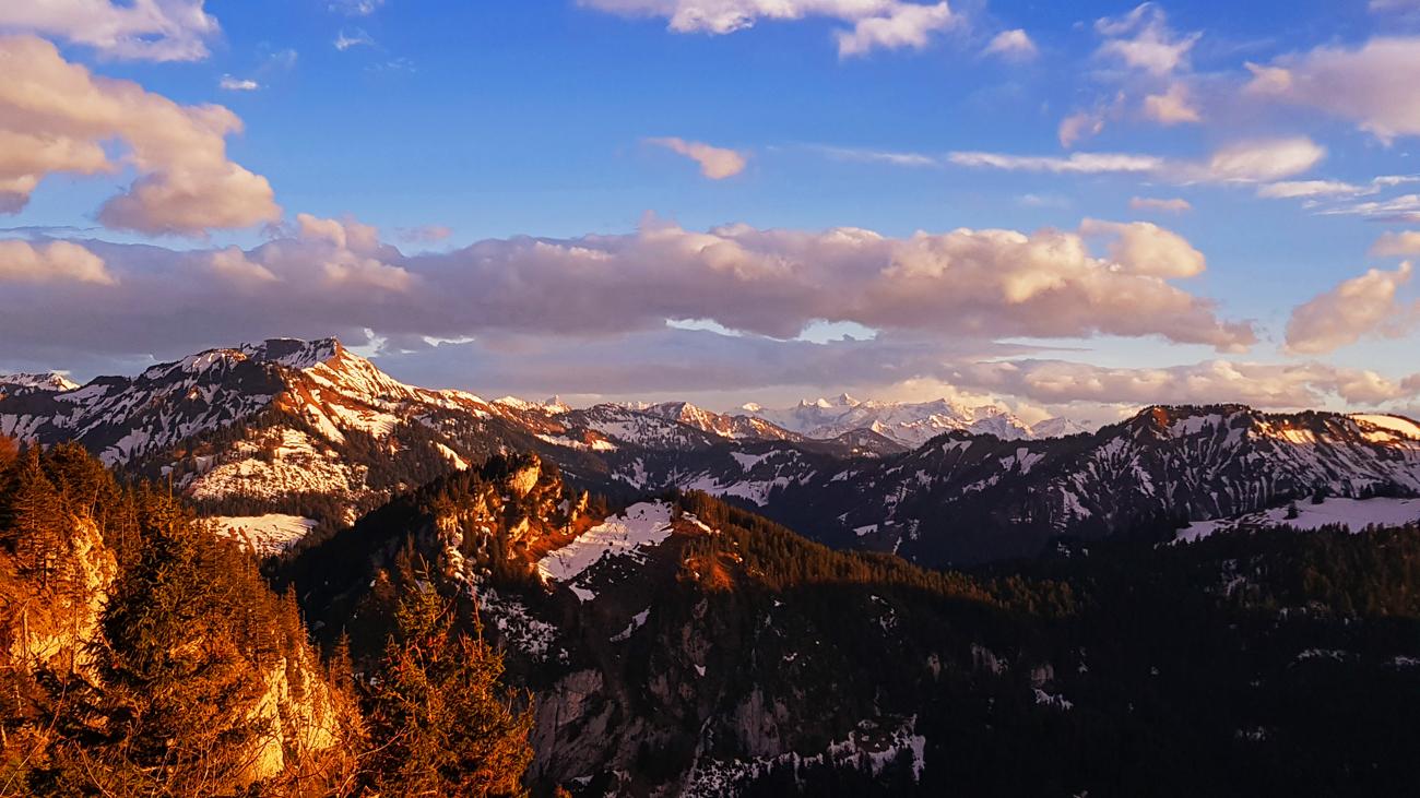 Sanftes Alpenglühen über dem Bregenzer Wald, 25. April 2019