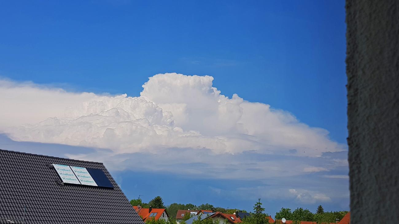 Gewitterentwicklung in Richtung Ravensburg, 25. Mai 2019