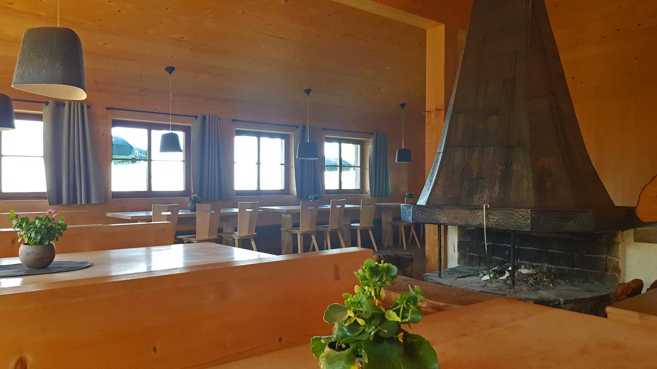Gemütliches Ambiente im Bergrestaurant Niedere, 31. August 2019