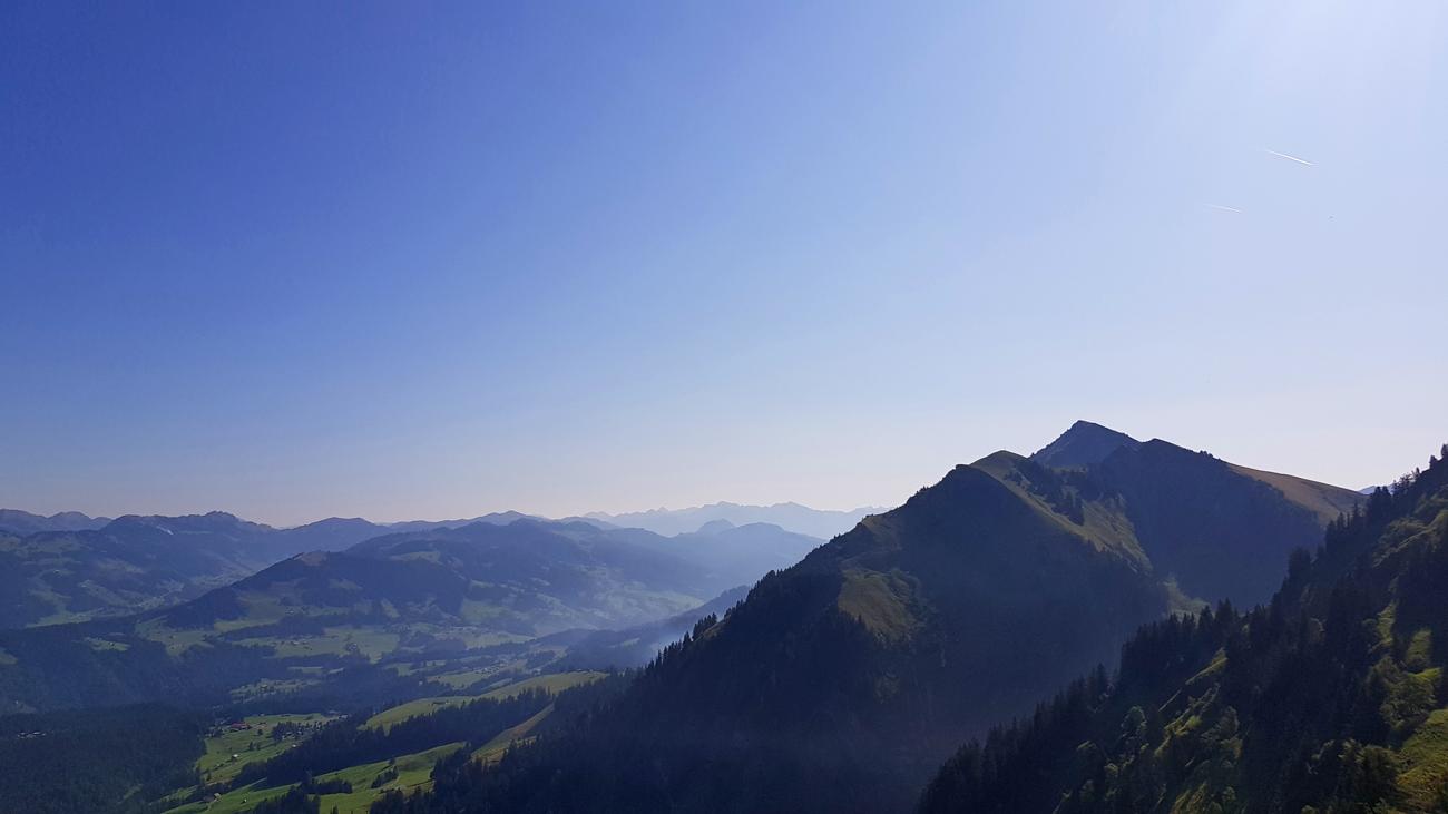 Blick vom Panoramaweg zur Winterstaude (rechts), 31. August 2019