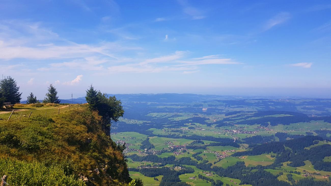 Zurück auf dem Panoramaweg gibt es so manche steile Stellen, 31. August 2019