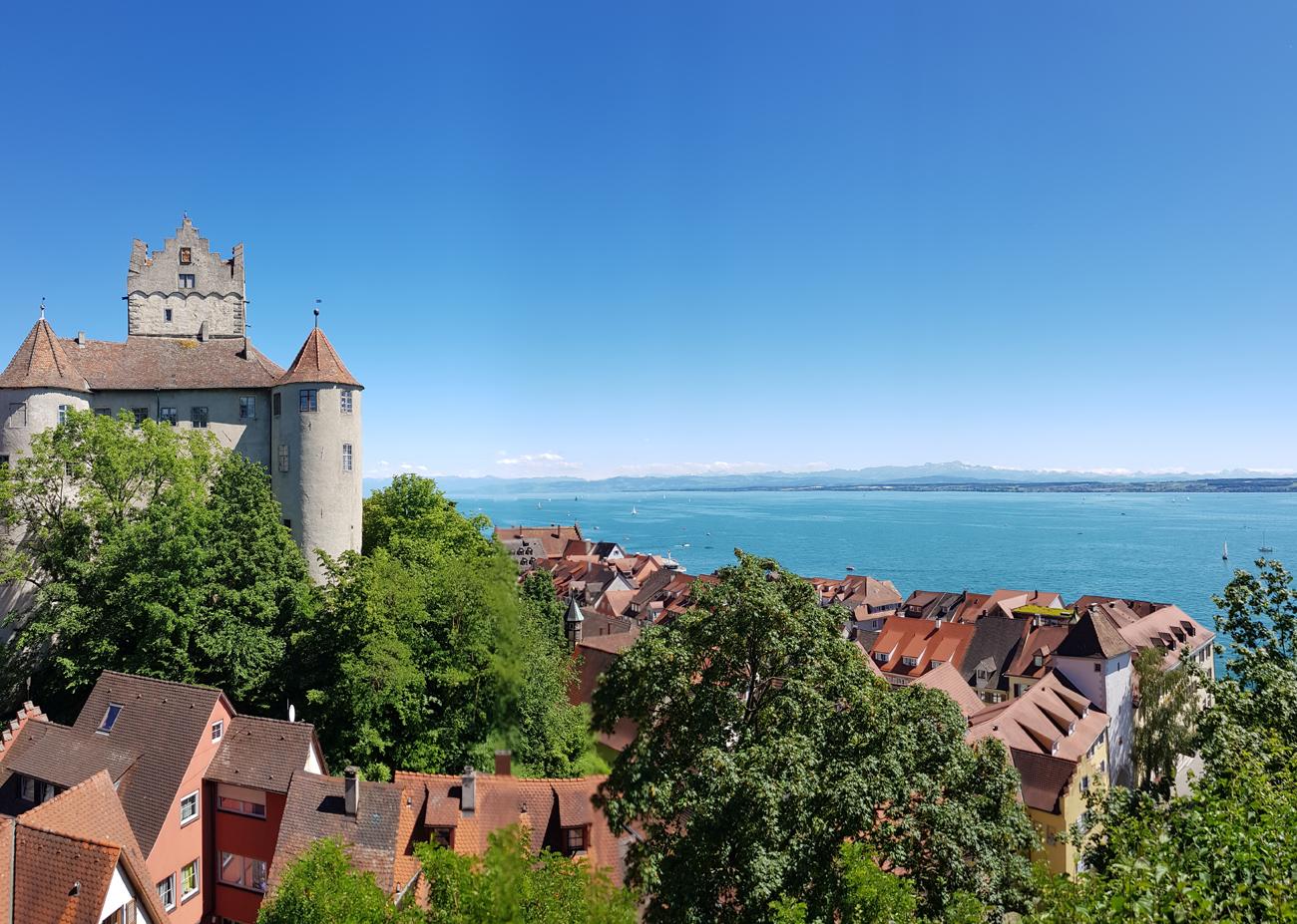 Die Burg Meersburg mit historischer Altstadt, 12. Juni 2020
